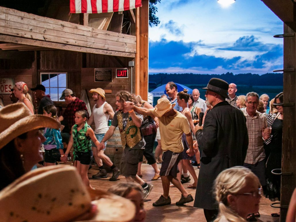 ANNUAL HALLOCKVILLE BARN DANCE