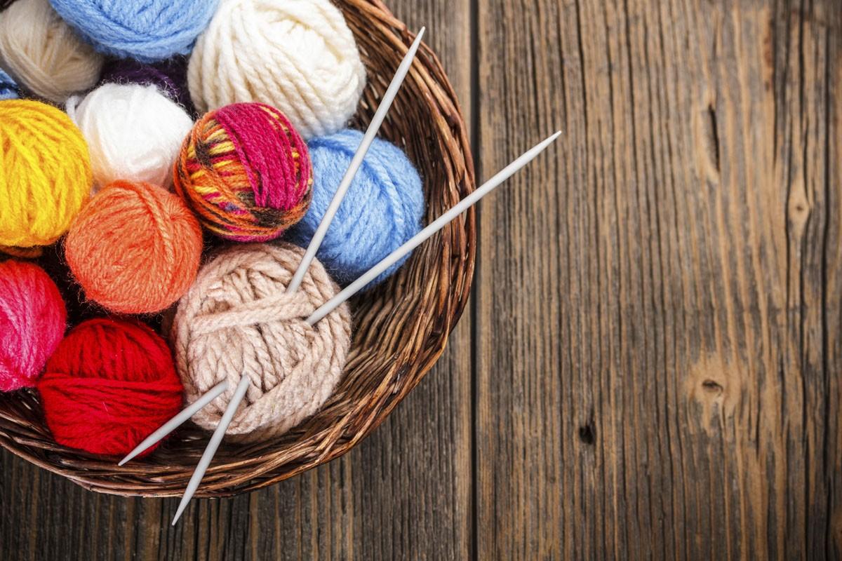 Knitting 101 Learn To Knit A Fleece Fiber Fair Workshop Hallockville Museum Farm
